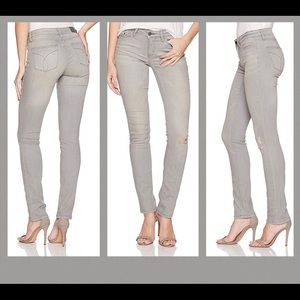 Calvin Klein Jeans Jeans - Calvin Klein MidRise Ultimate Skinny Jeans 28 x 32